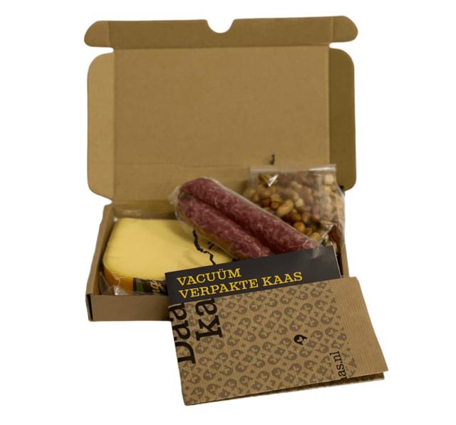 brievenbus kaas borrelbox kaas-worst-borrelnootjes