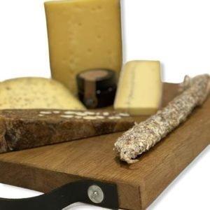 Kaasplank Luxe met 3 soorten kaas, amandelbrood, fuet en vijgen dip