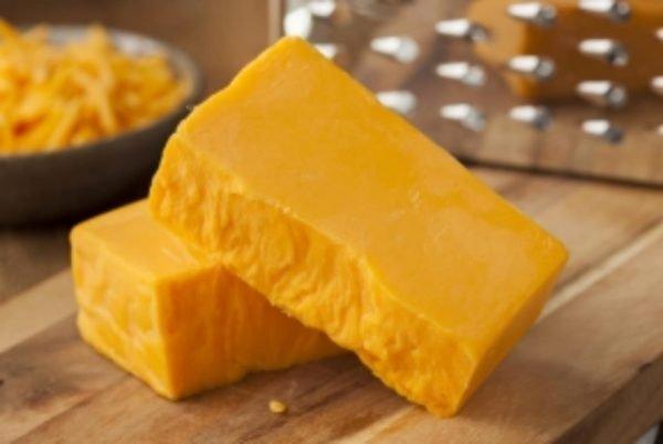 Cheddar kaas gebroken